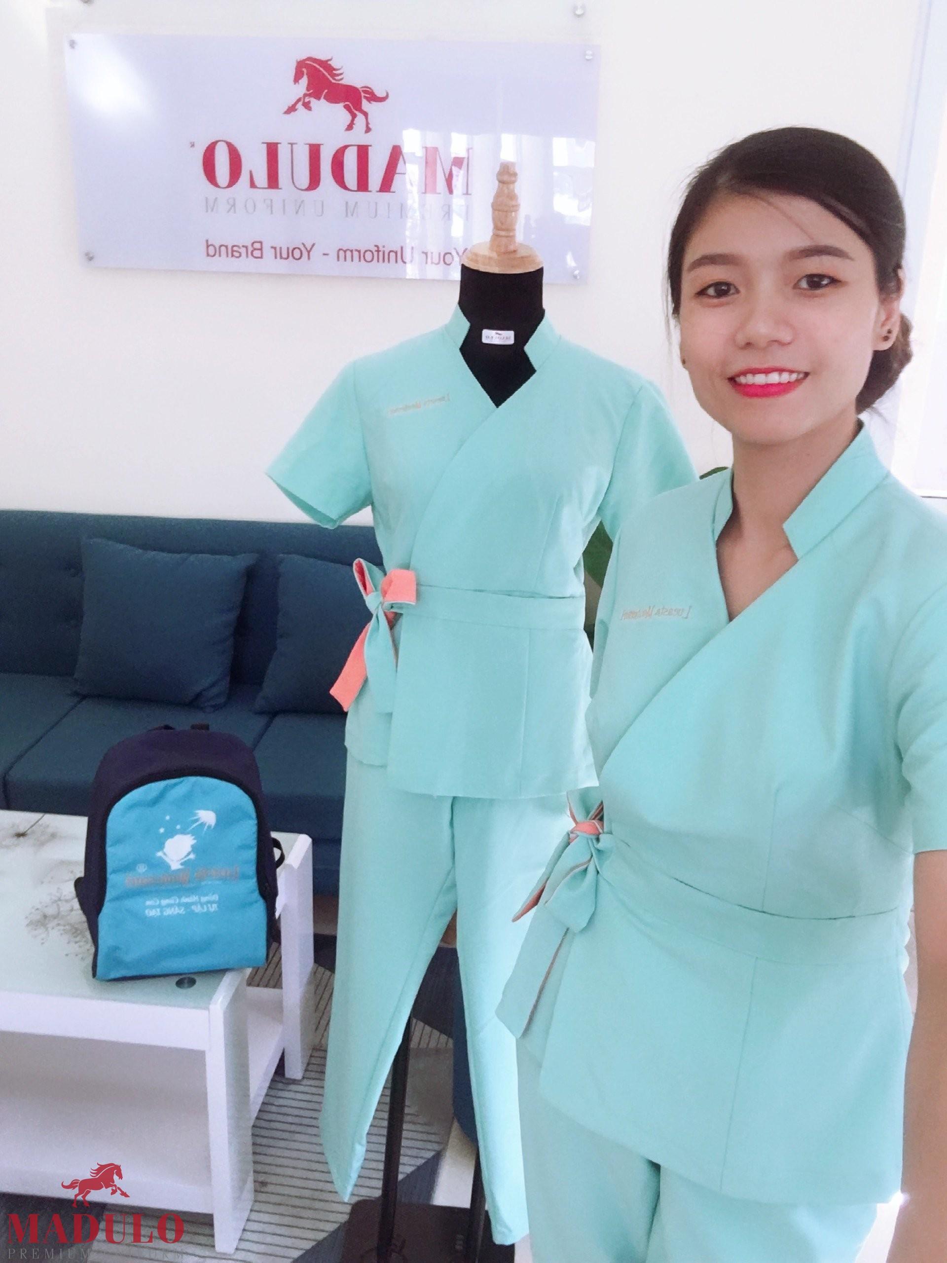Đồng phục đẹp cho nhân viên spa